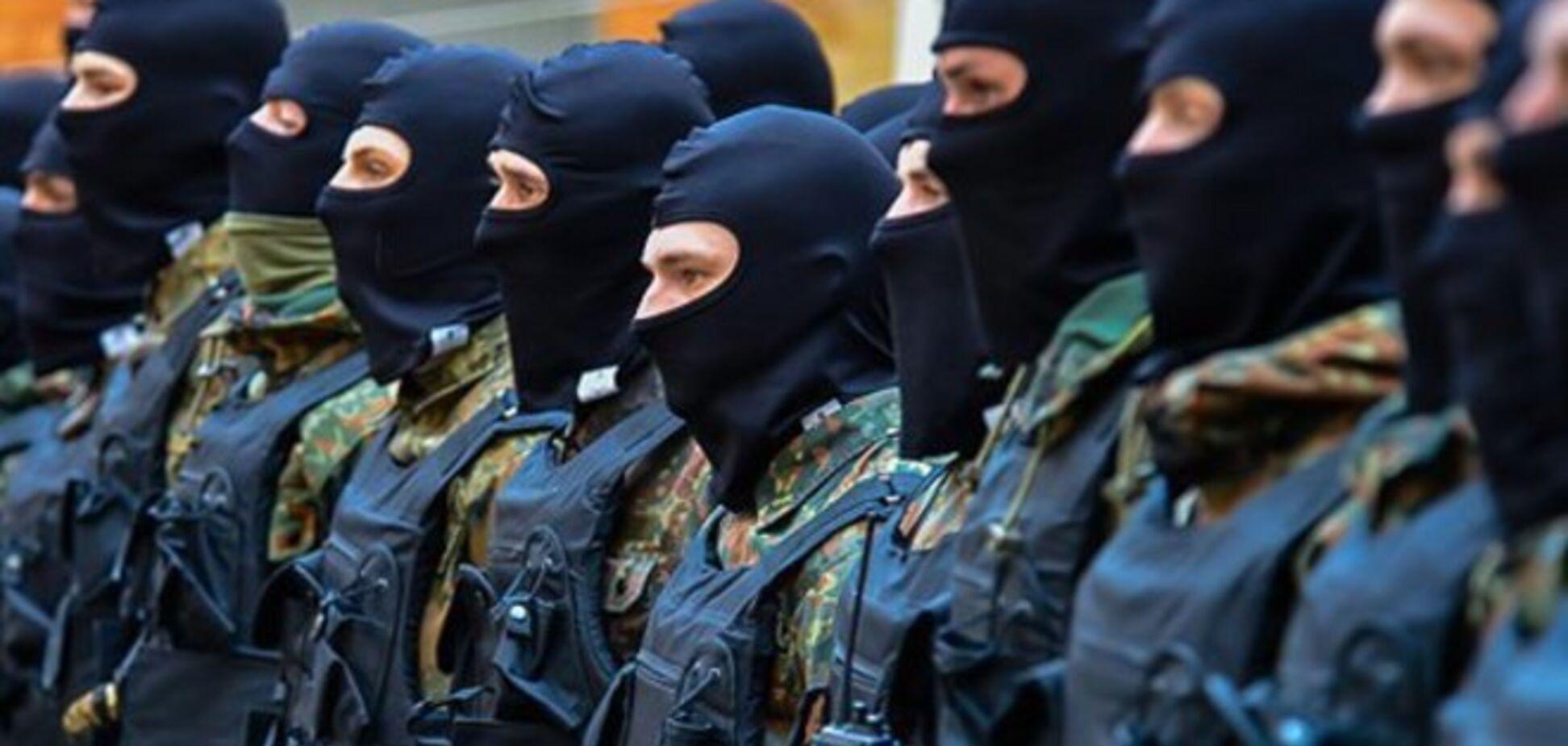 Бойцы батальона МВД 'Азов' обнародовали досье на ликвидированных в Торезе террористов