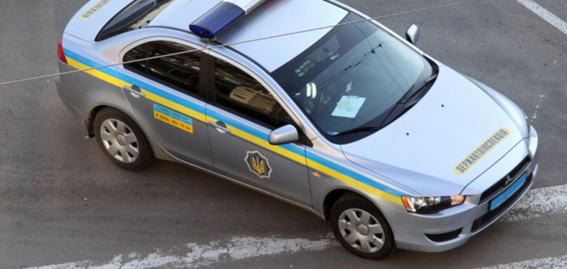 В Луганске террористы разъезжают в автомобиле ГАИ