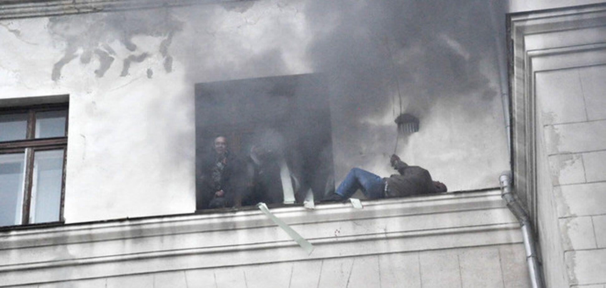 МВД: пособники террористов сами подожгли Дом профсоюзов, бросая 'коктейли Молотова'