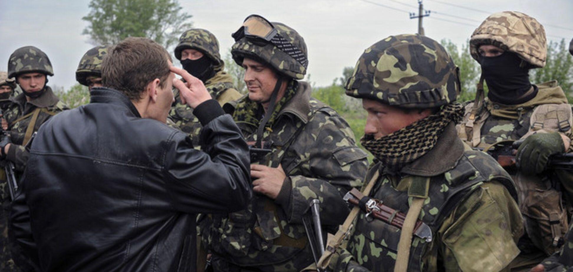 В Краматорске террористы предлагают местным за 1000 грн ложиться под танки