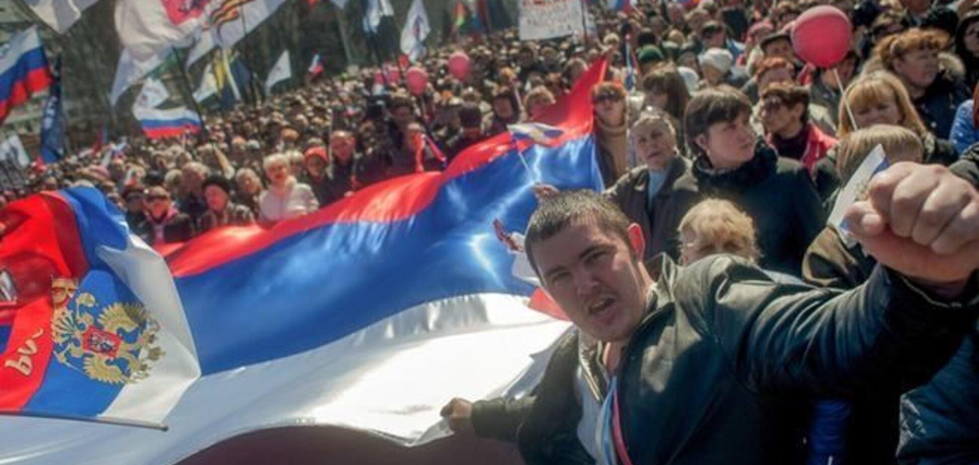 В Луганске сепаратисты выбили случайному прохожему зубы из-за… Турчинова