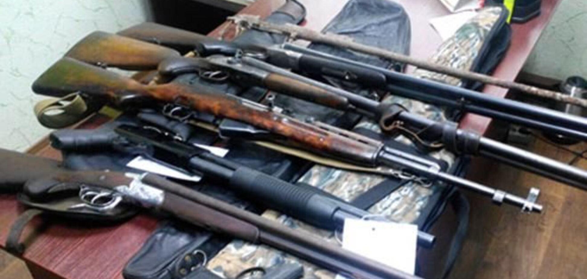 За месяц украинцы сдали почти две тысячи единиц оружия