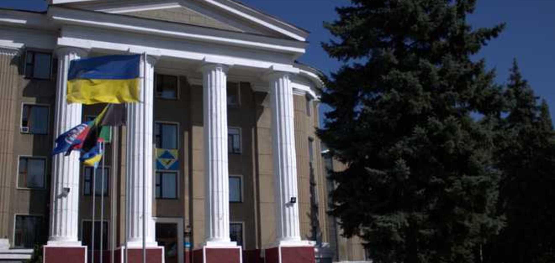 Террористы захватили админздание ГП 'Артемуголь' в Горловке