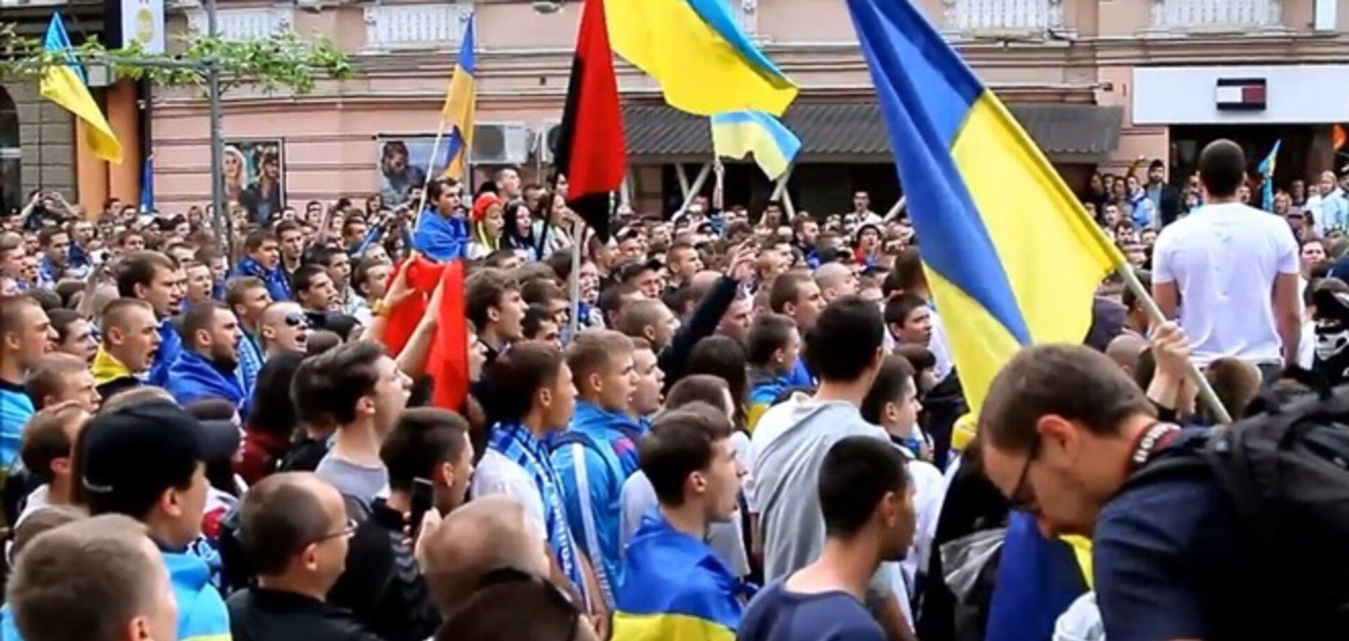 У Дніпропетровську відбулося масштабну ходу за єдність України