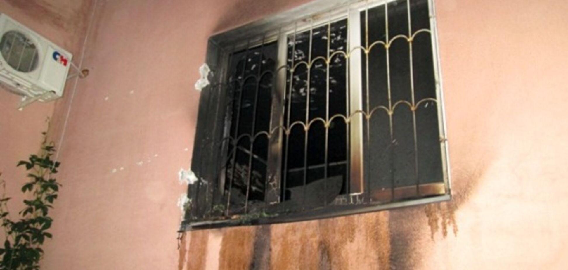 В столичной многоэтажке подожгли кабинет руководителя ОСМД