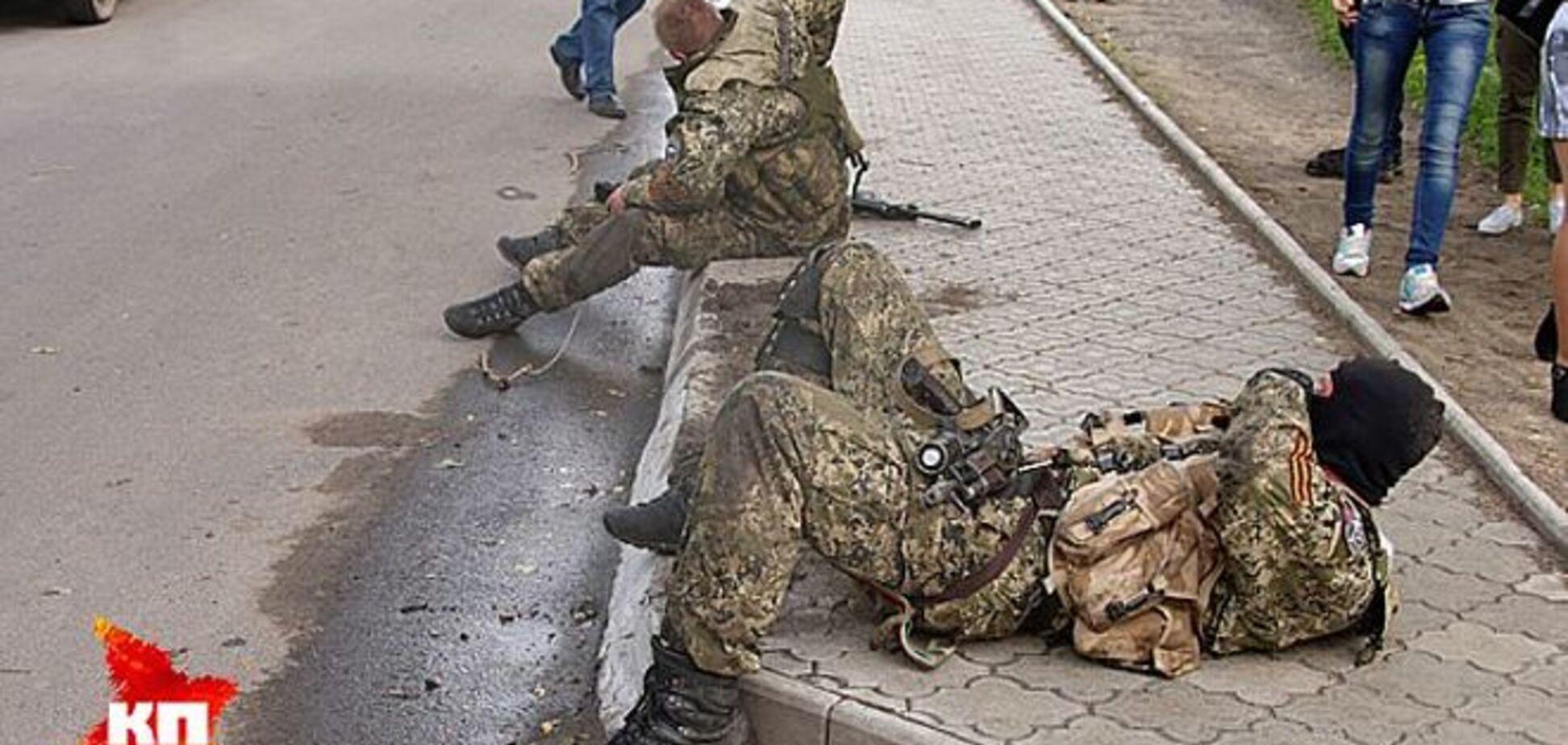Террористы заявляют о 'беспрецедентных потерях' в бою в Славянске