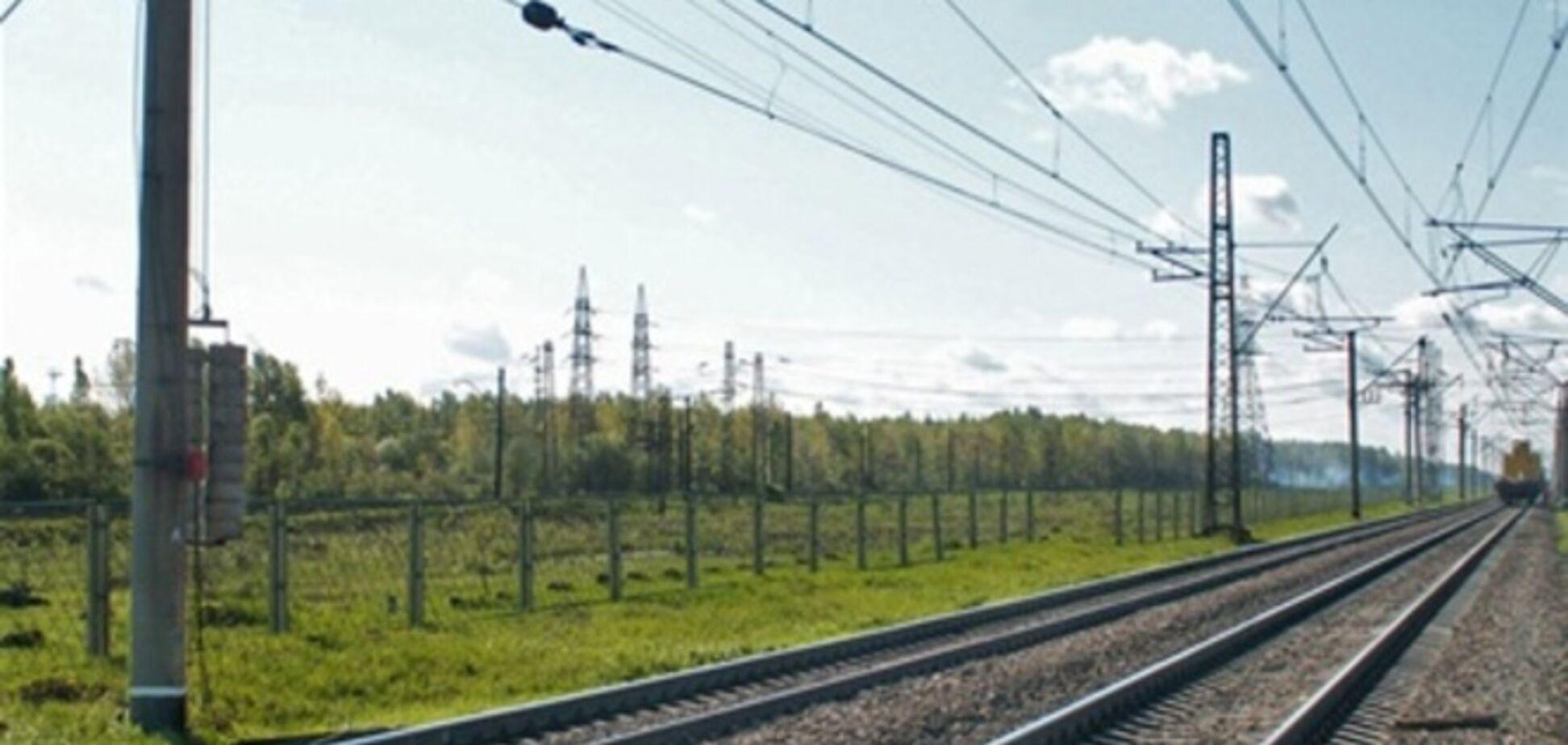 'Укрзализныця' закрыла продажу билетов на 17 поездов в связи с перекрытием участков на ДЖД
