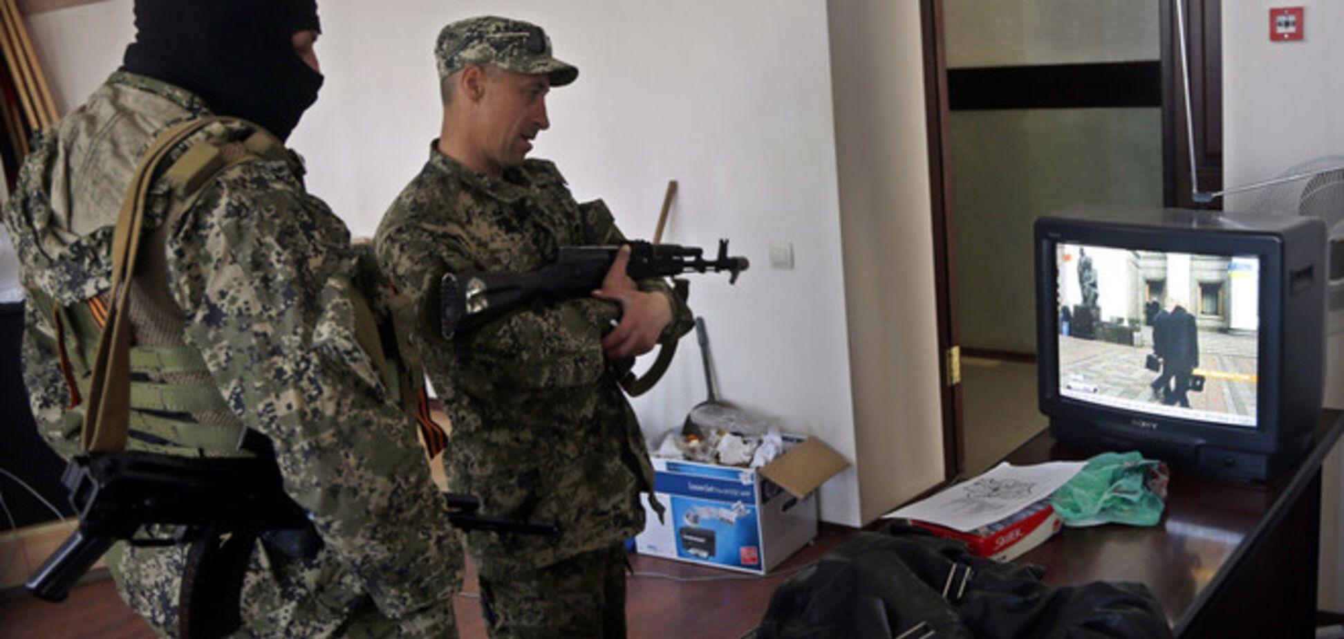Террористы обстреляли и ограбили дом члена 'Просвиты' в Донецкой области