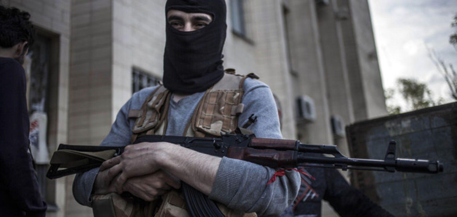Около 40 террористов напали на погранпост на Луганщине