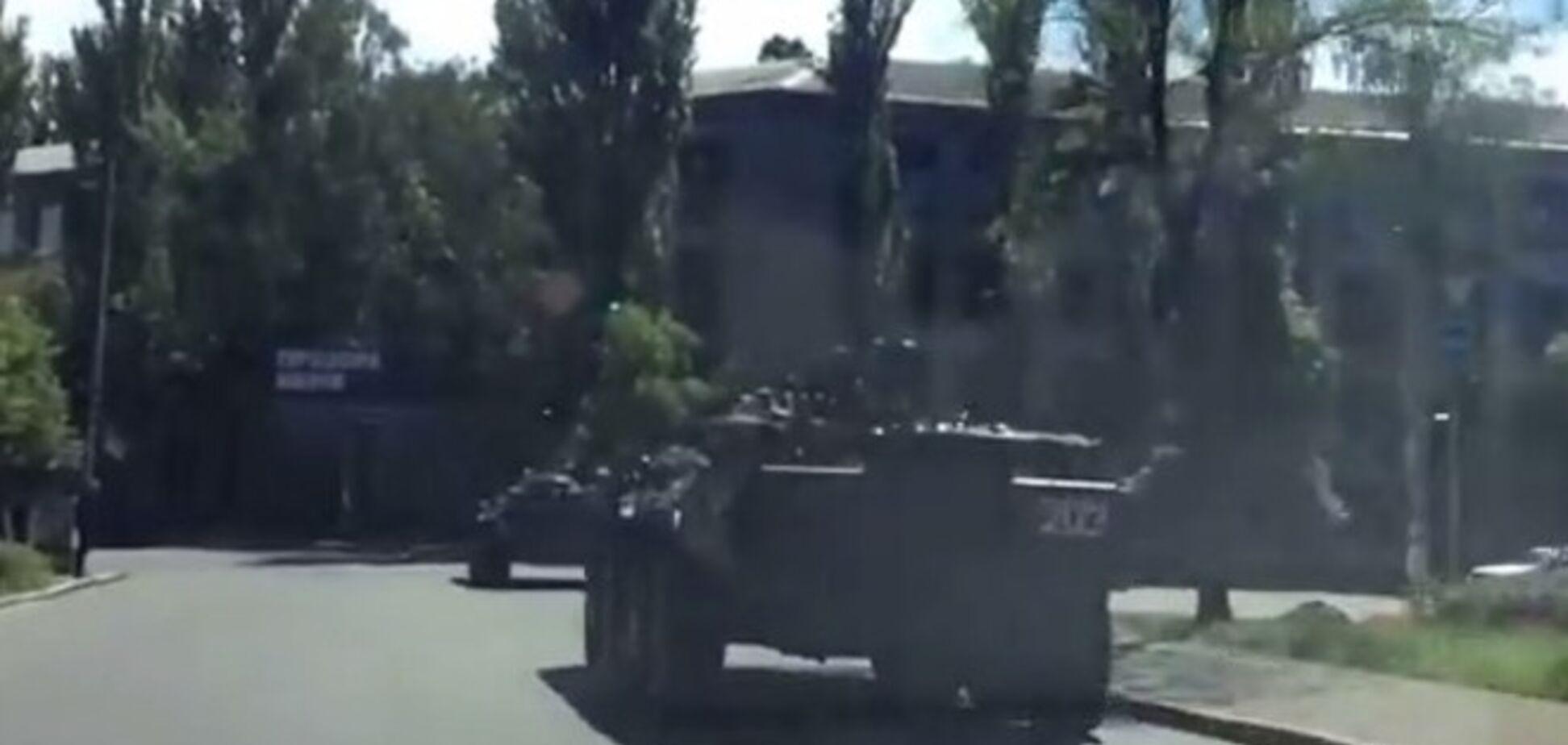 В центр Киева движется военная техника. Видеофакт