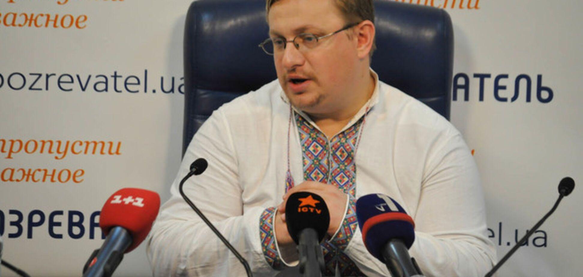 Вооруженной крымской 'самообороне' выдали 'бумажки' вместо удостоверений - крымчанин