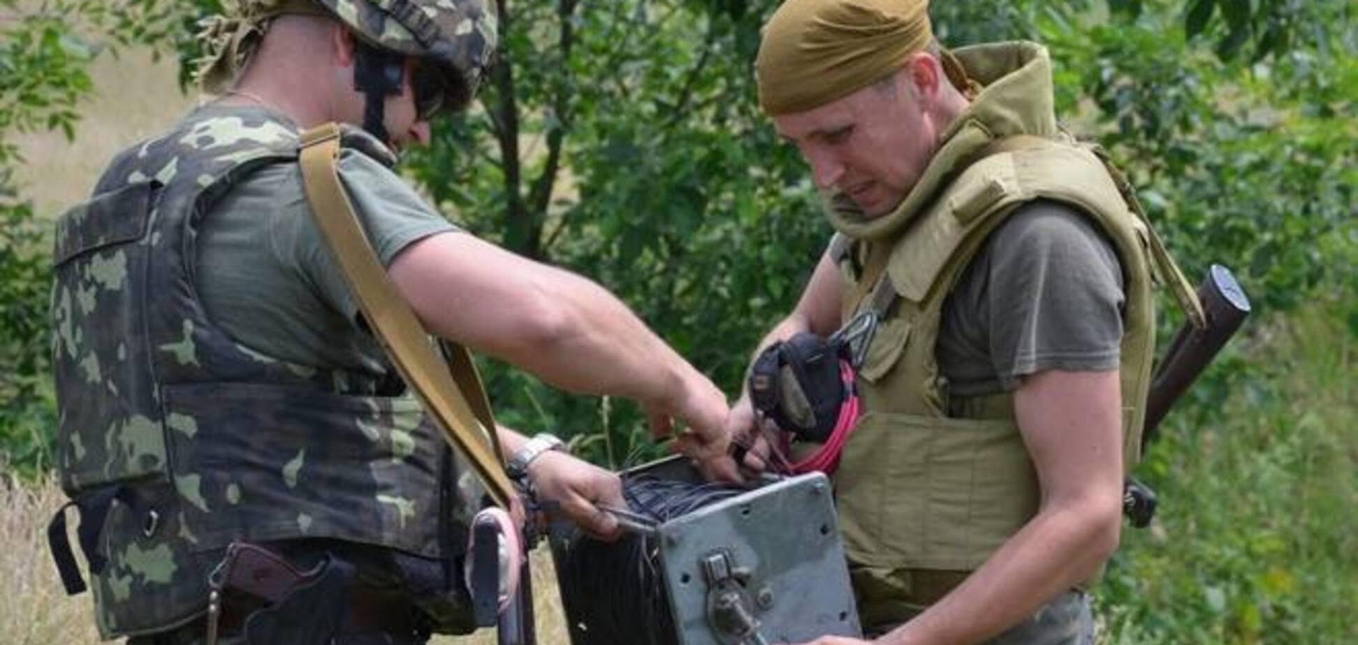Террористы на Донбассе минировали дороги боеприпасами времен войны