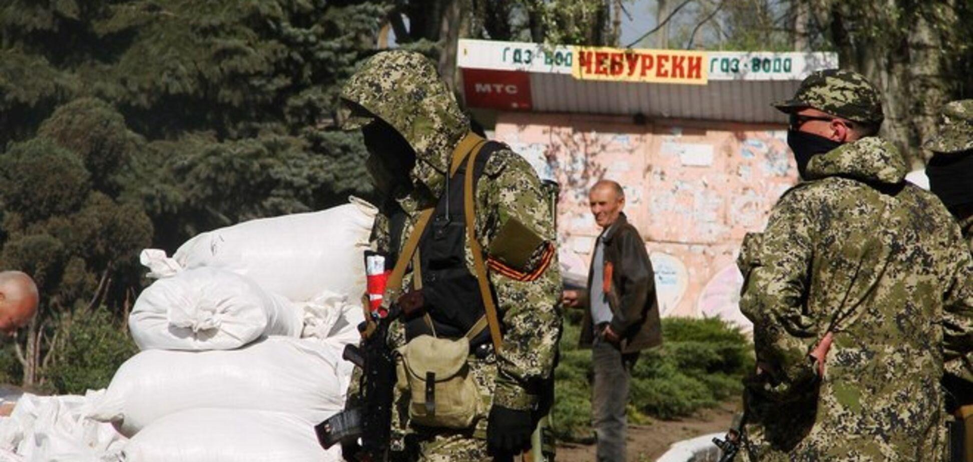 Террористы устанавливают новые блокпосты в Донецке и области