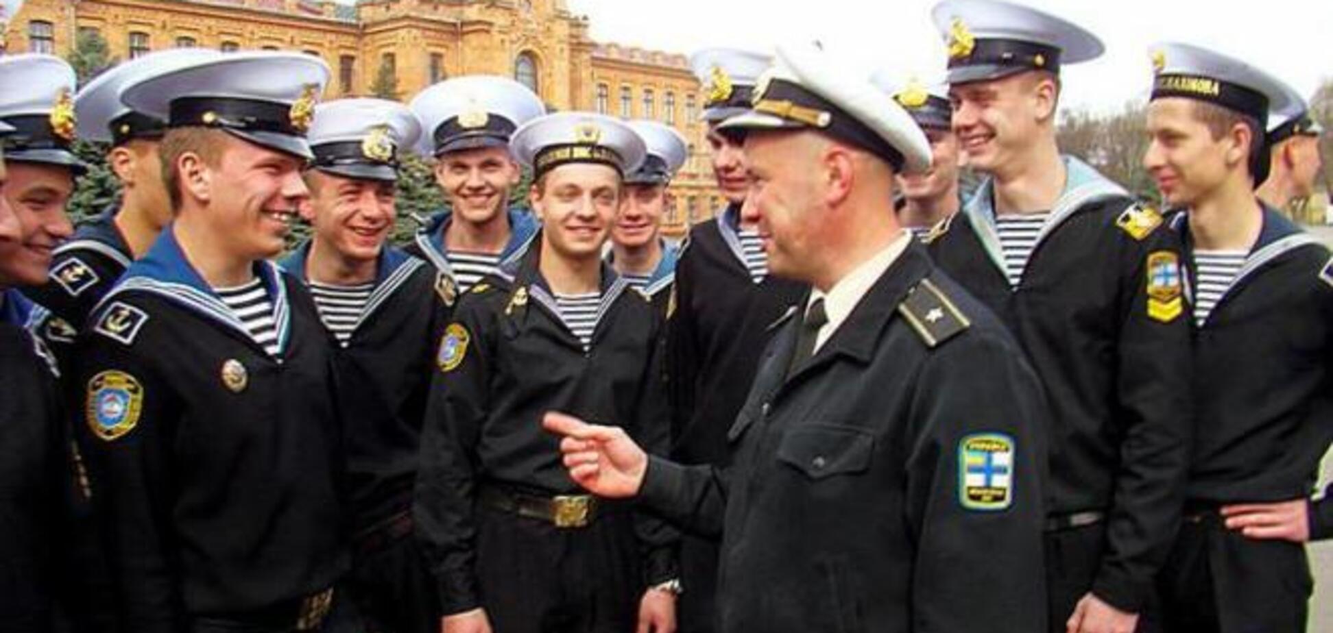 Академія Нахімова в Севастополі ліквідовано, курсанти доучатся в Одесі