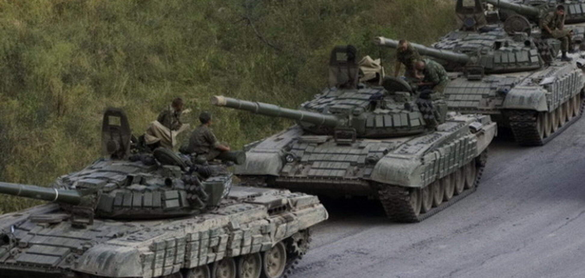 Российские военные на самолете прикрывают террористов и технику, которые проникают в Украину