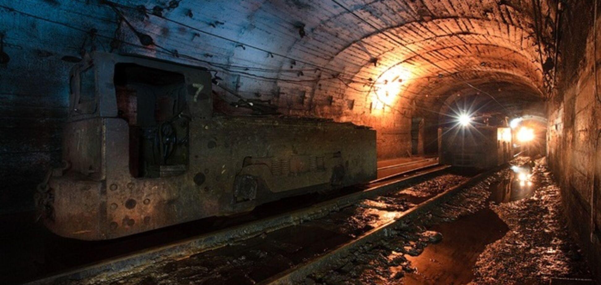 На Донетчине в шахте произошел взрыв газа, судьба девяти горняков неизвестна