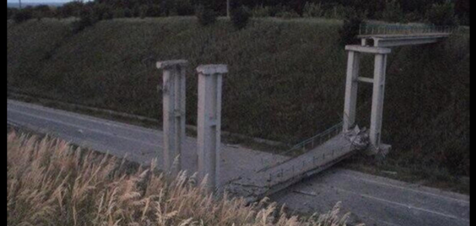 На Луганщине террористы взорвали мост, чтобы перекрыть движение на Луганск