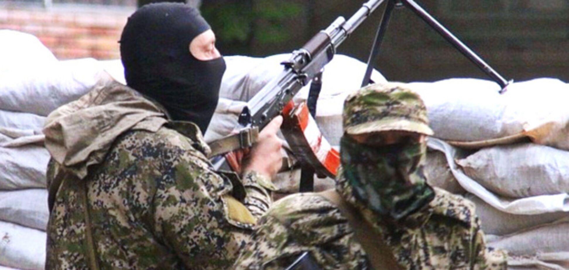 Под Славянском террористы, прикрываясь ремонтниками водоканала, обстреливают блокпост силовиков