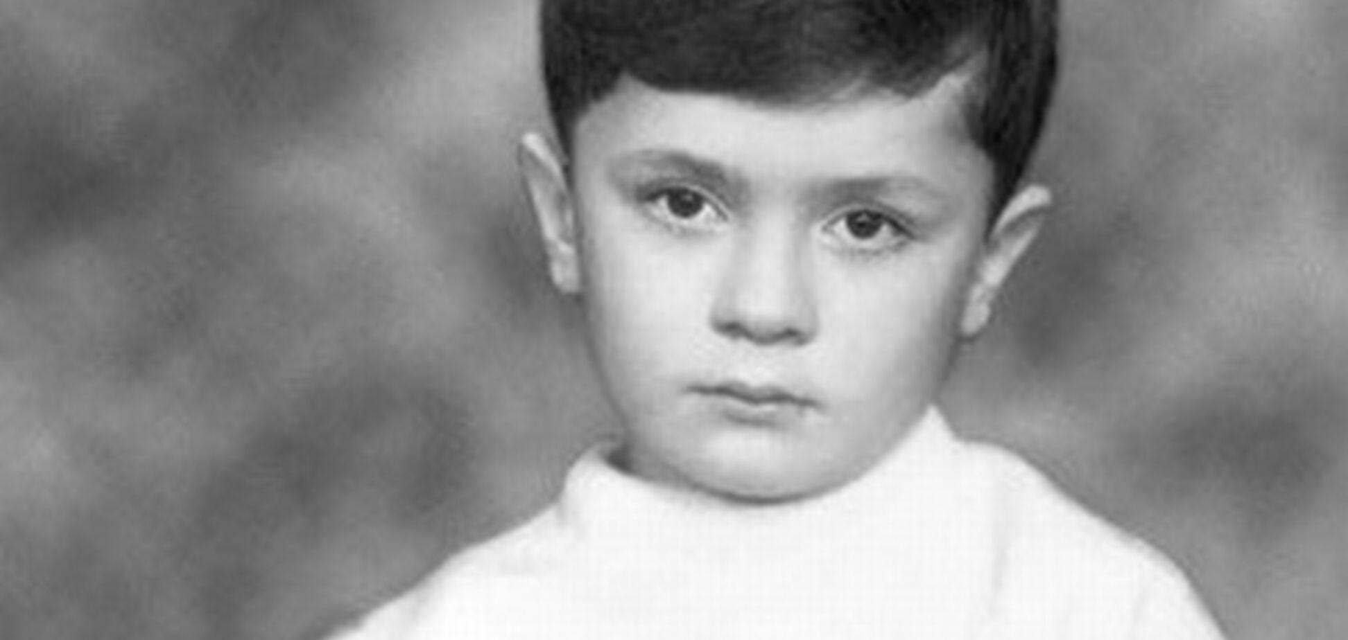 Порошенко в дитинстві майстрував солдатиків і брав участь в суботниках