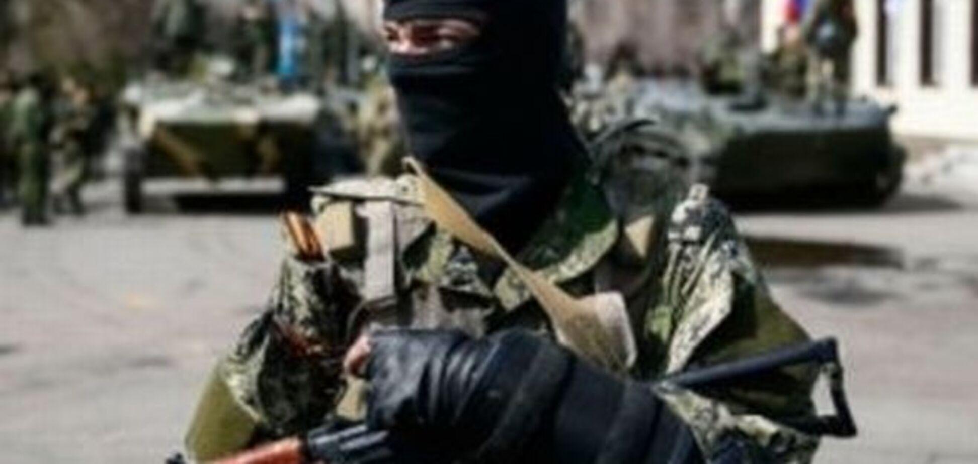 Террористы из 'ДНР' 10 часов 'беседовали' с захваченными местными журналистами