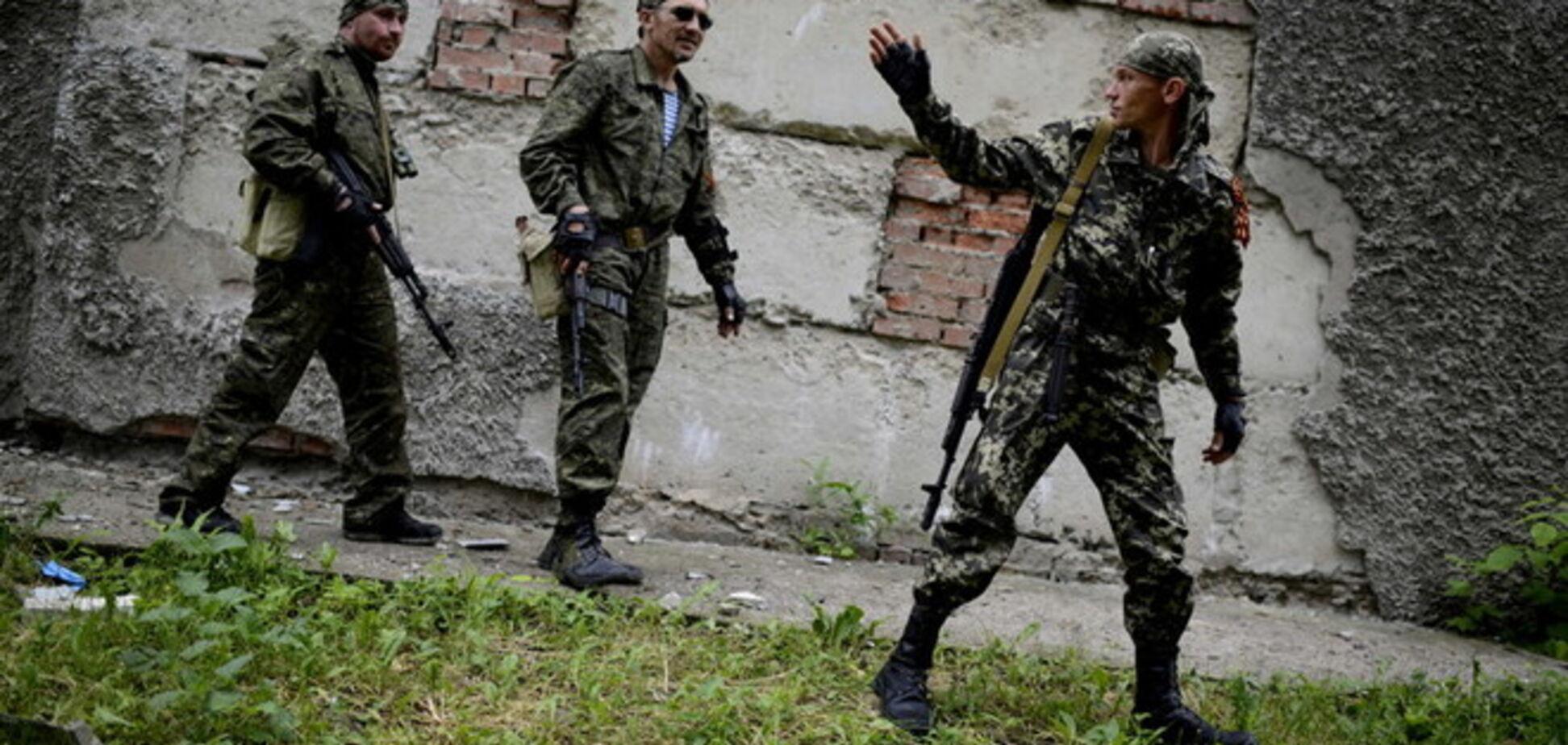 Экс-министр обороны: границу Украины пересекло 900 вооруженных террористов