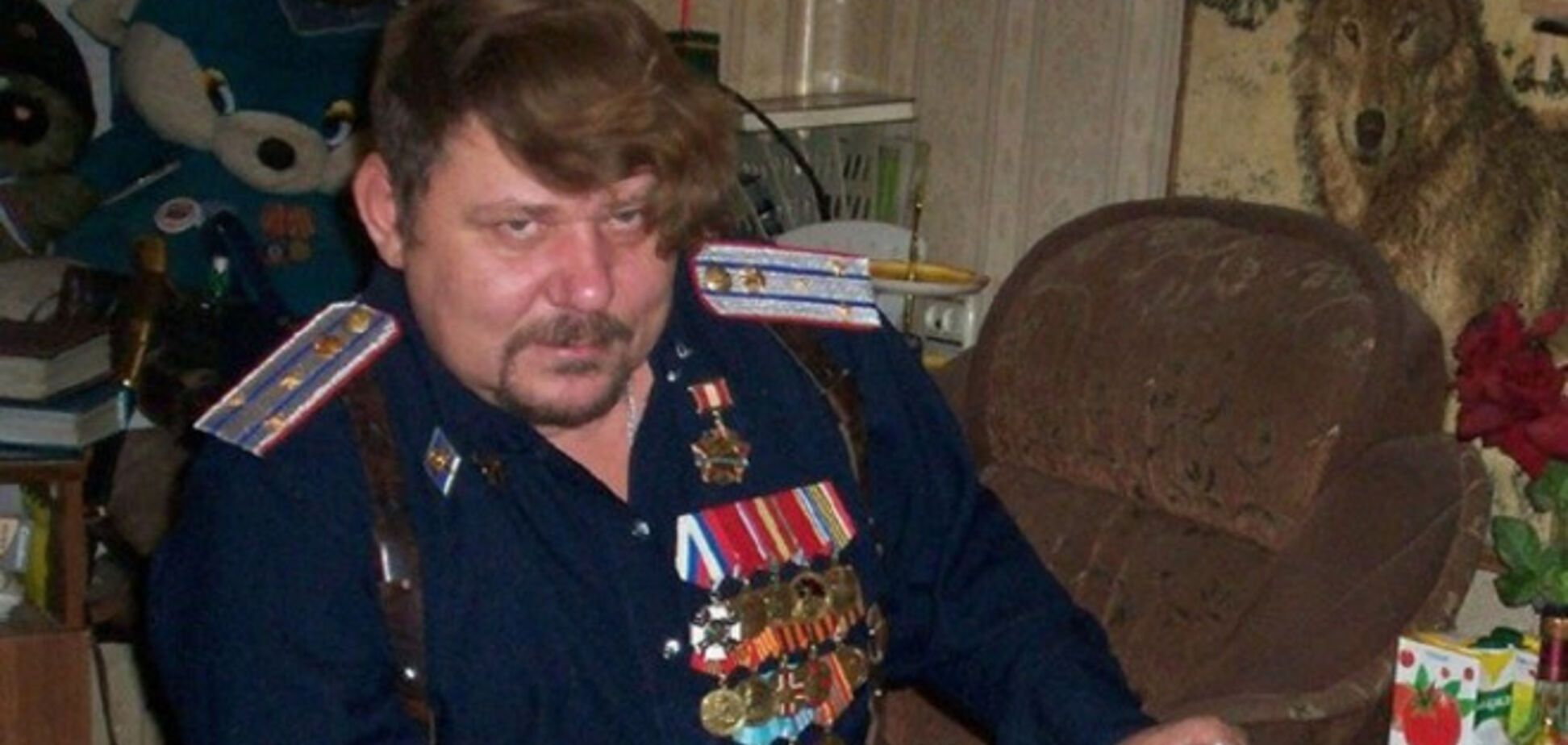 Российские казаки разъезжают по Донбассу на мопедах. Видеофакт