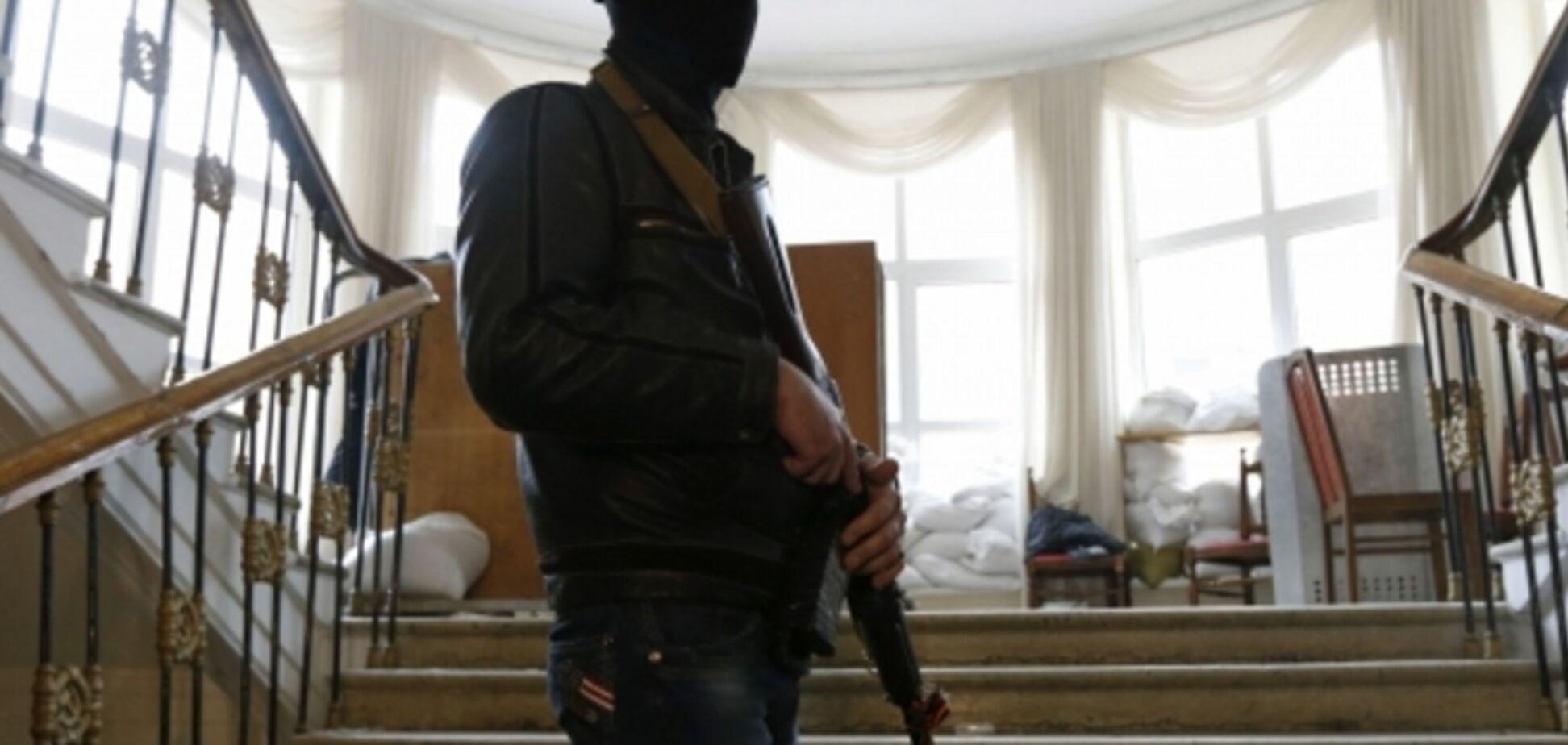Террористы в Лисичанске ловят учителей украинского языка