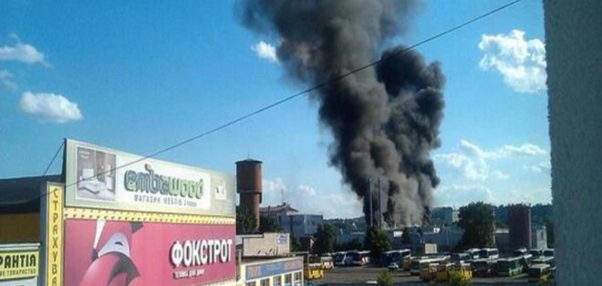 Во Львове горели склады Coca-Cola. Фото - и видеофакт