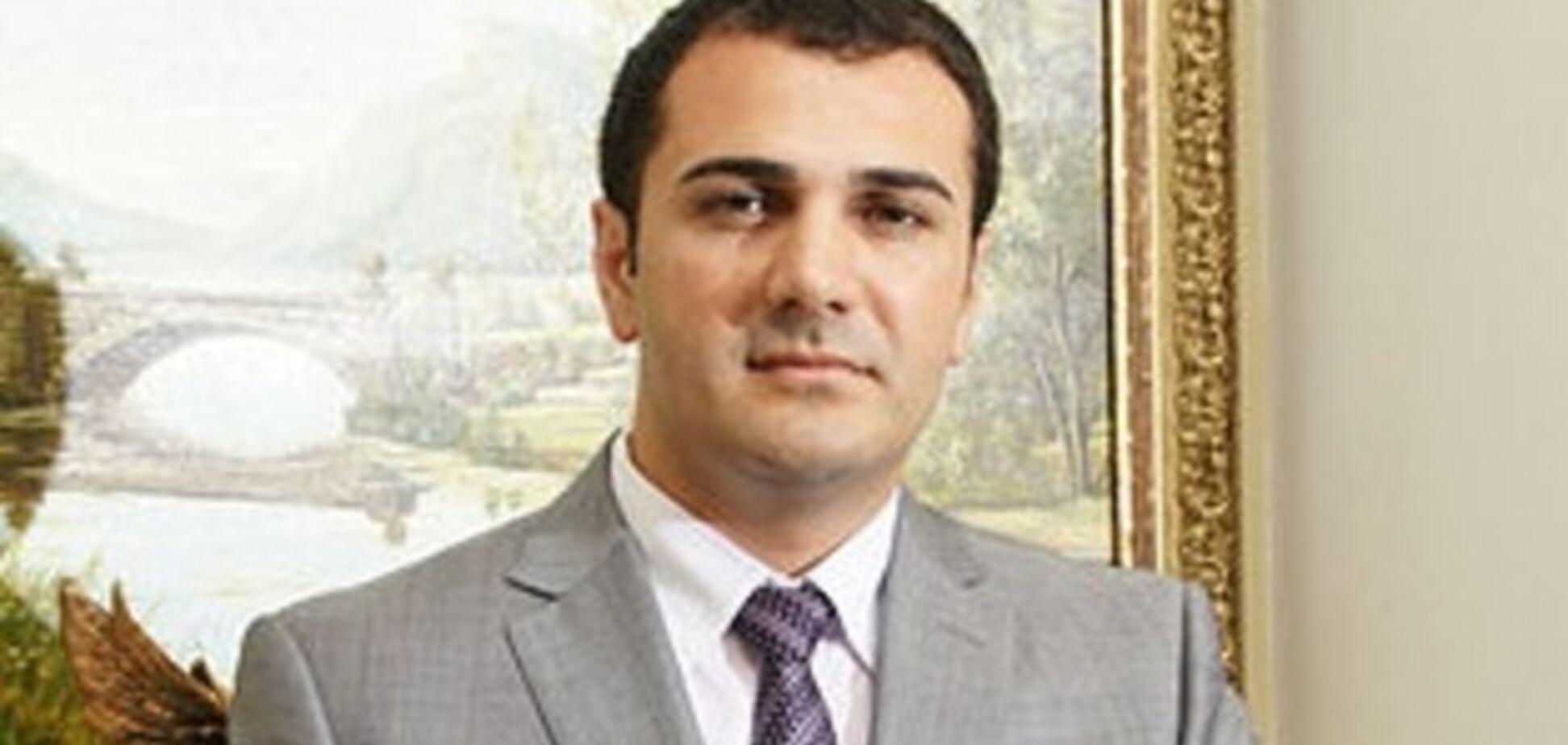 В Донецке неизвестные с автоматами похитили обвиняемого в убийстве лидера донецких азербайджанцев