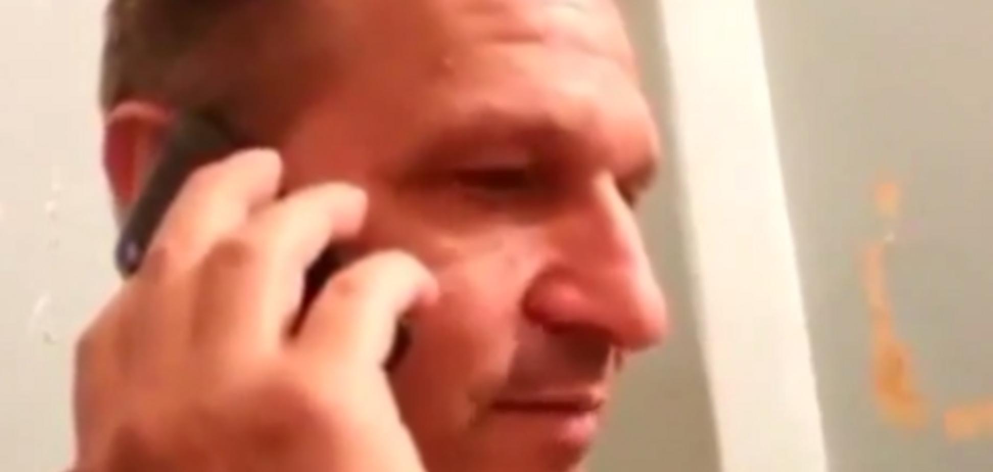 Терористи - мамі полоненого українського бійця: 'Чим швидше приїдете, тим буде краще для Вас'