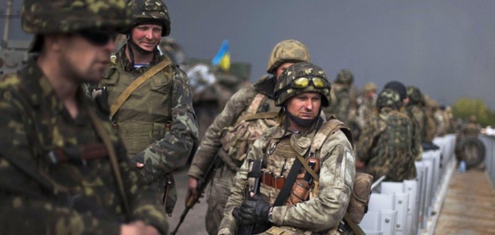В результате обстрелов блокпостов сил АТО ранены четыре бойца Нацгвардии