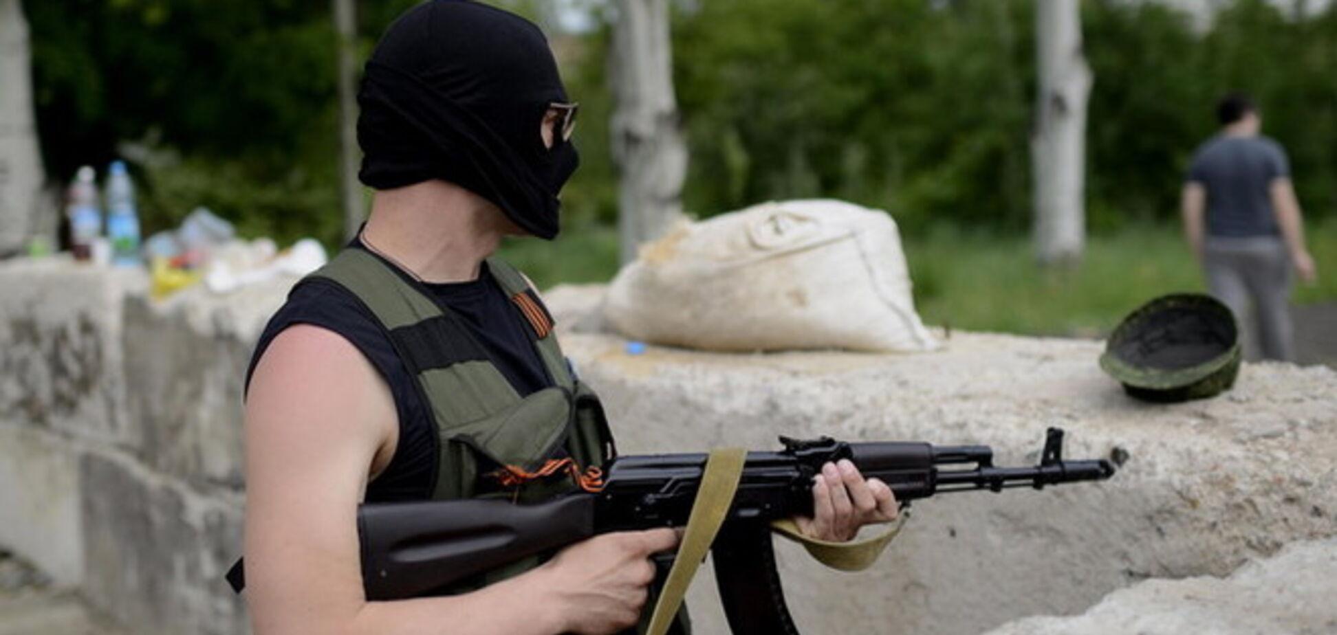 Очевидец: террористы выгоняют жителей Луганска из домов