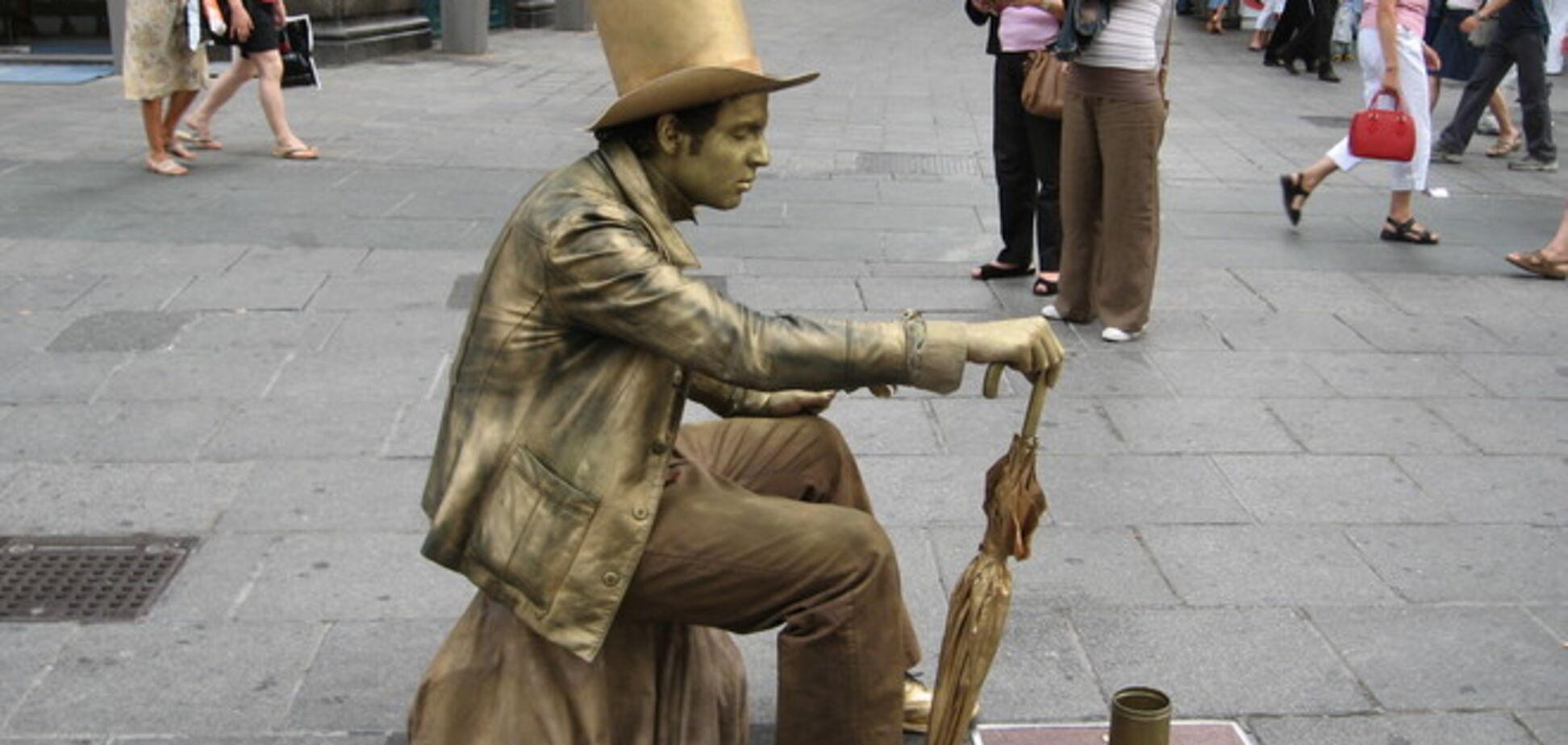 Самые необычные и поразительные статуи со всего мира