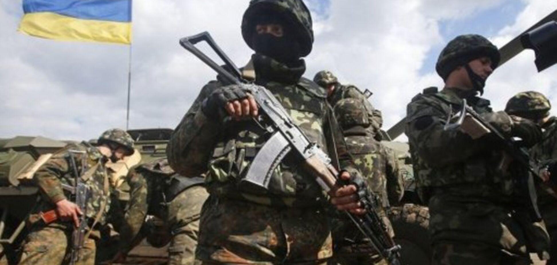 Военные попали в засаду по дороге в Славянск: один погиб, 13 ранено - ИС