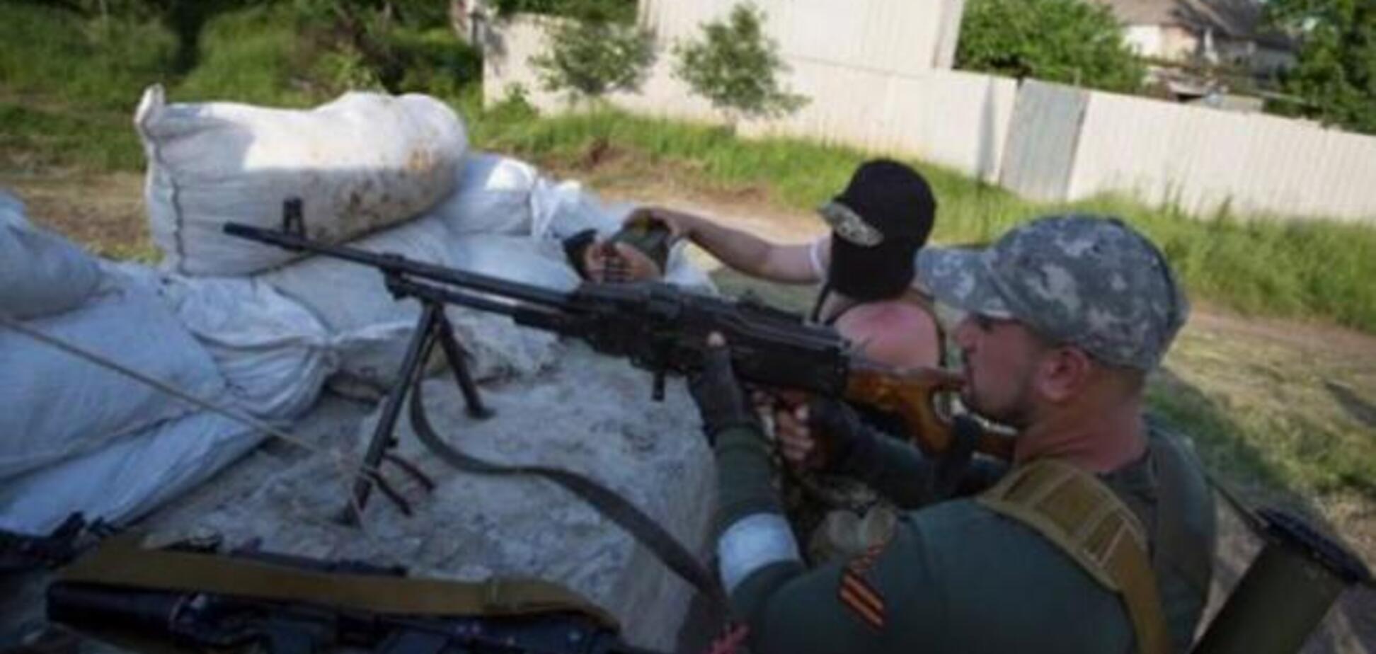 В Шахтерске террористы расстреляли девушку, которая училась вождению, и обстреляли дом бизнесмена