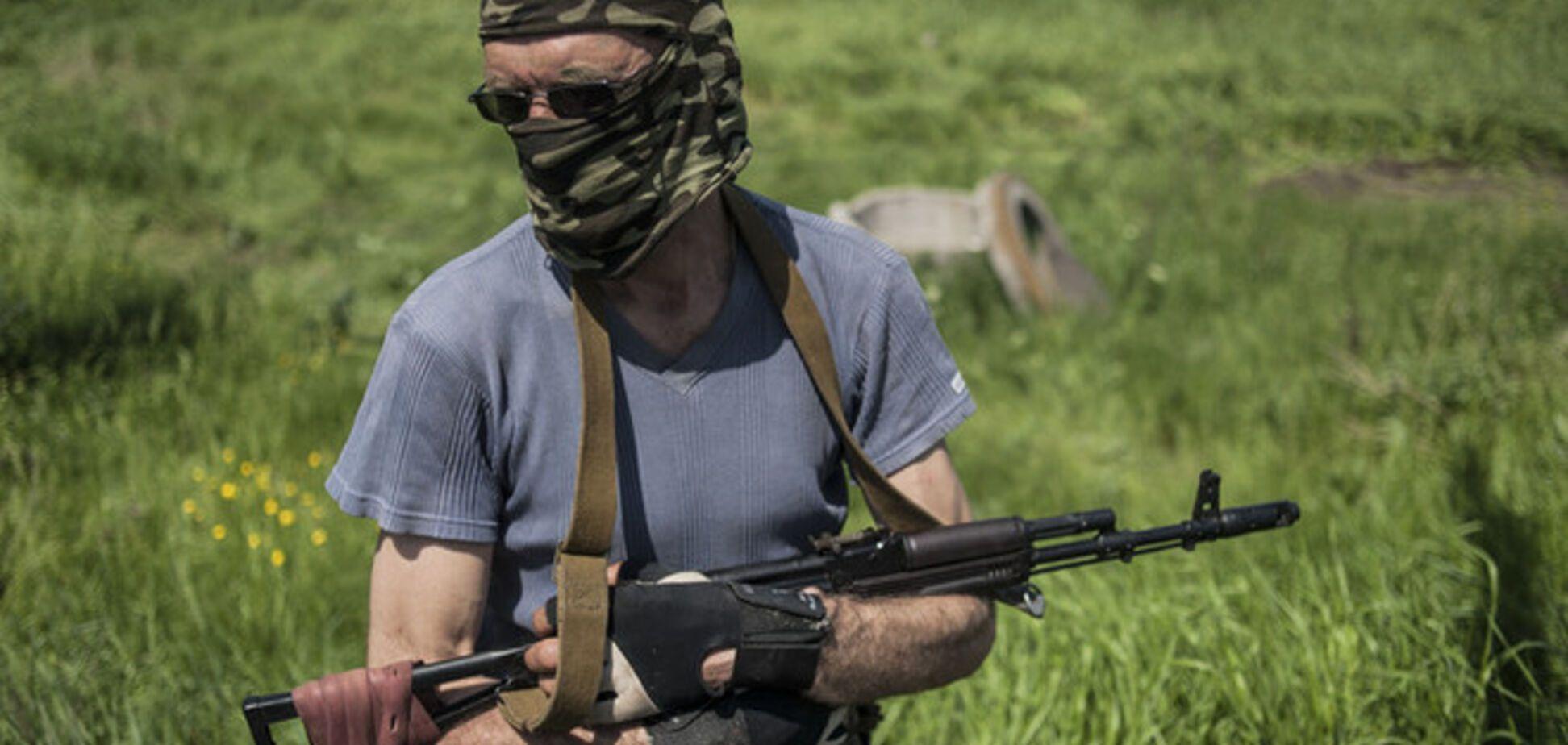 Террористы в масках угнали автобус на трассе Мариуполь-Донецк