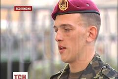 Караульный рассказал, почему потерял сознание на инаугурации Порошенко