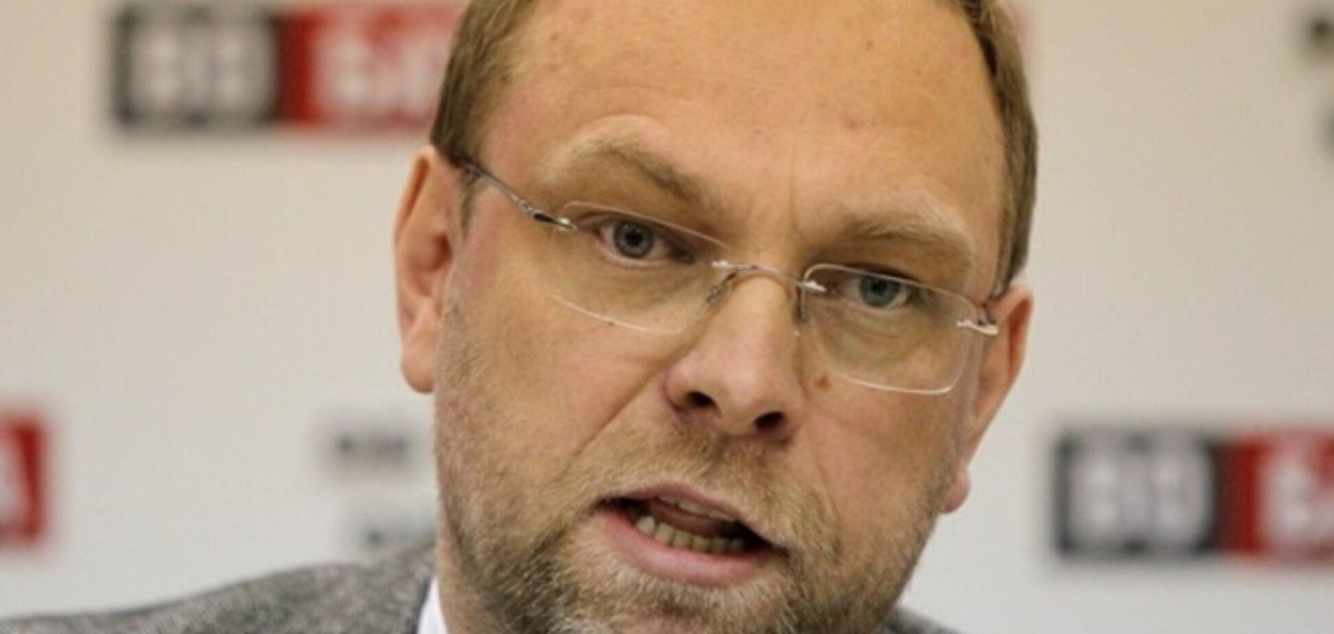 Суд не отдал дочь бютовцу Власенко