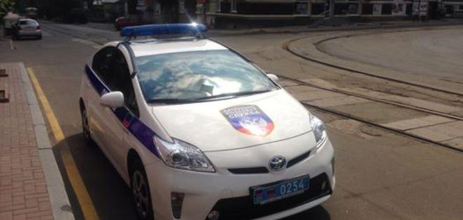 В Донецке появился автомобиль 'полиции' с символикой 'ДНР'