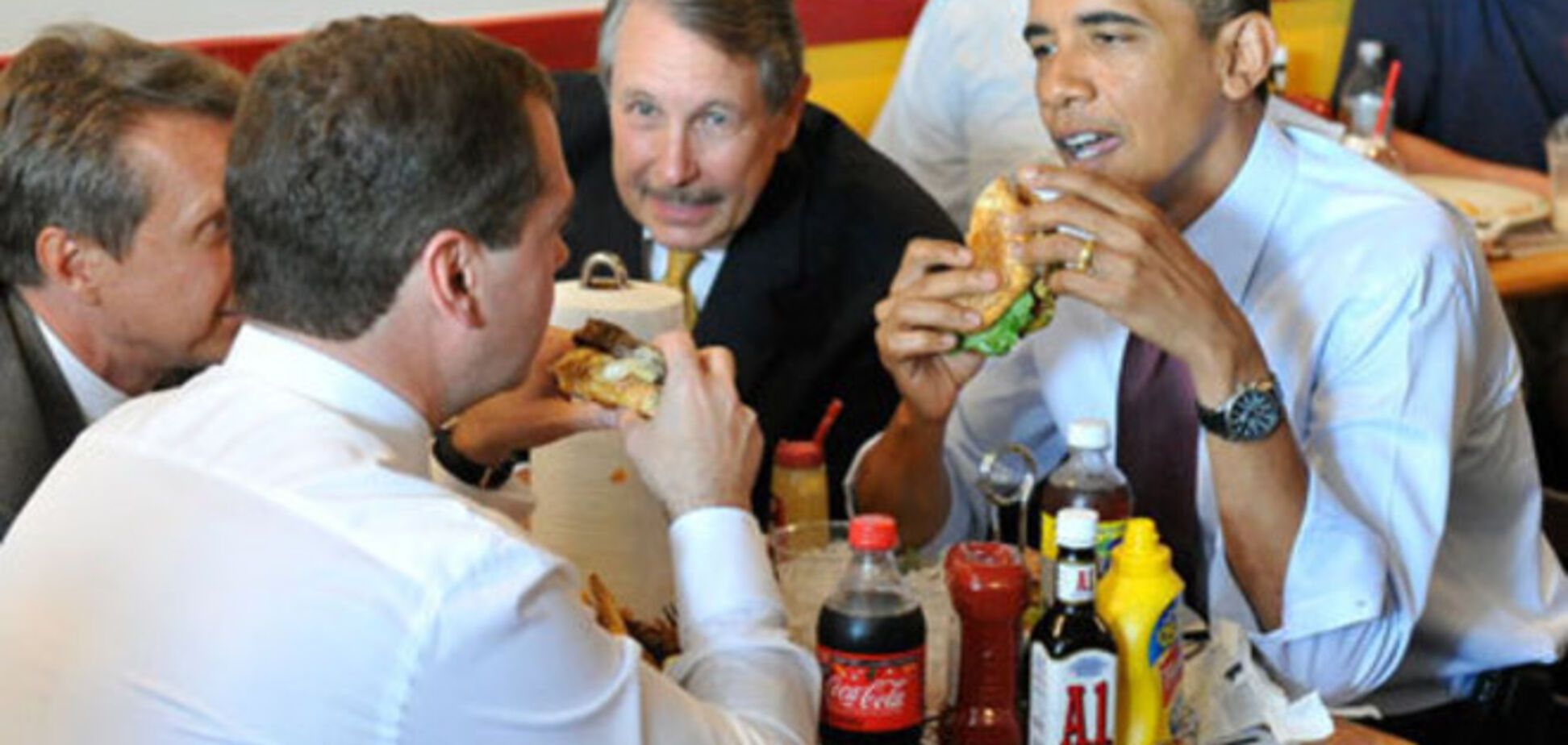Обама ненавидит свеклу, а Елизавета II предпочитает джин