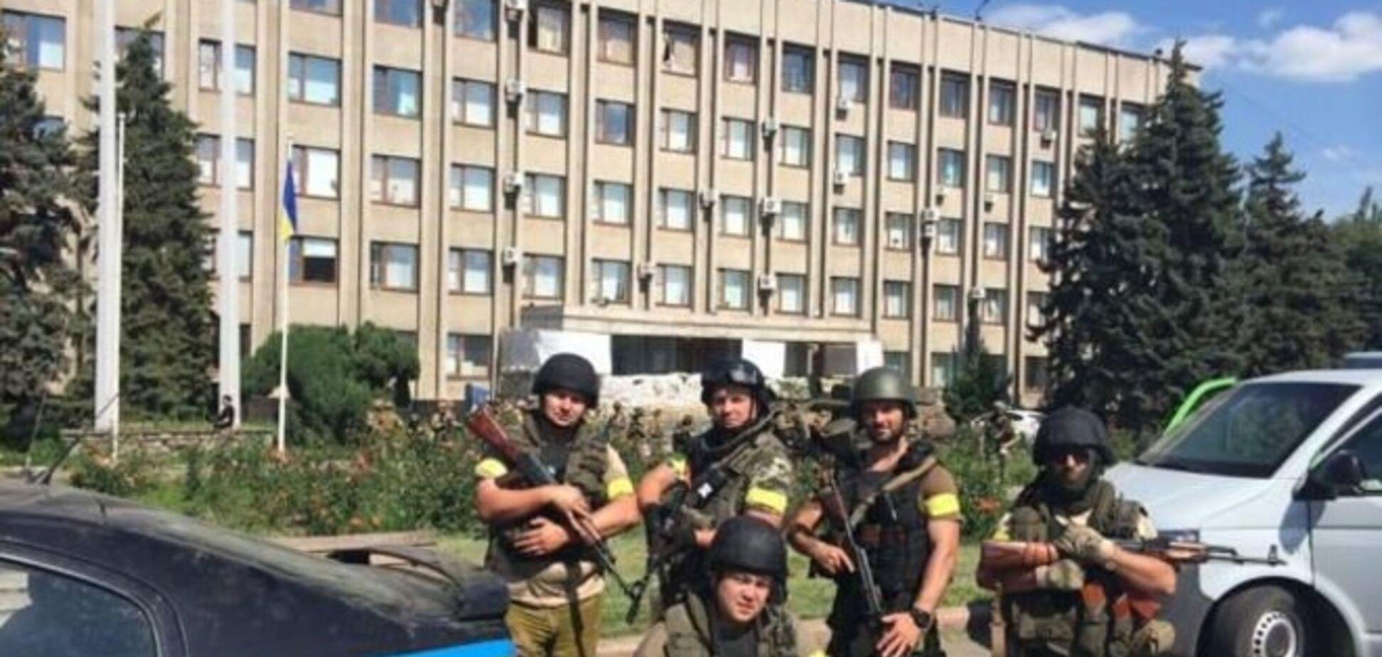 Украинские военные взяли под полный контроль Славянск и Краматорск