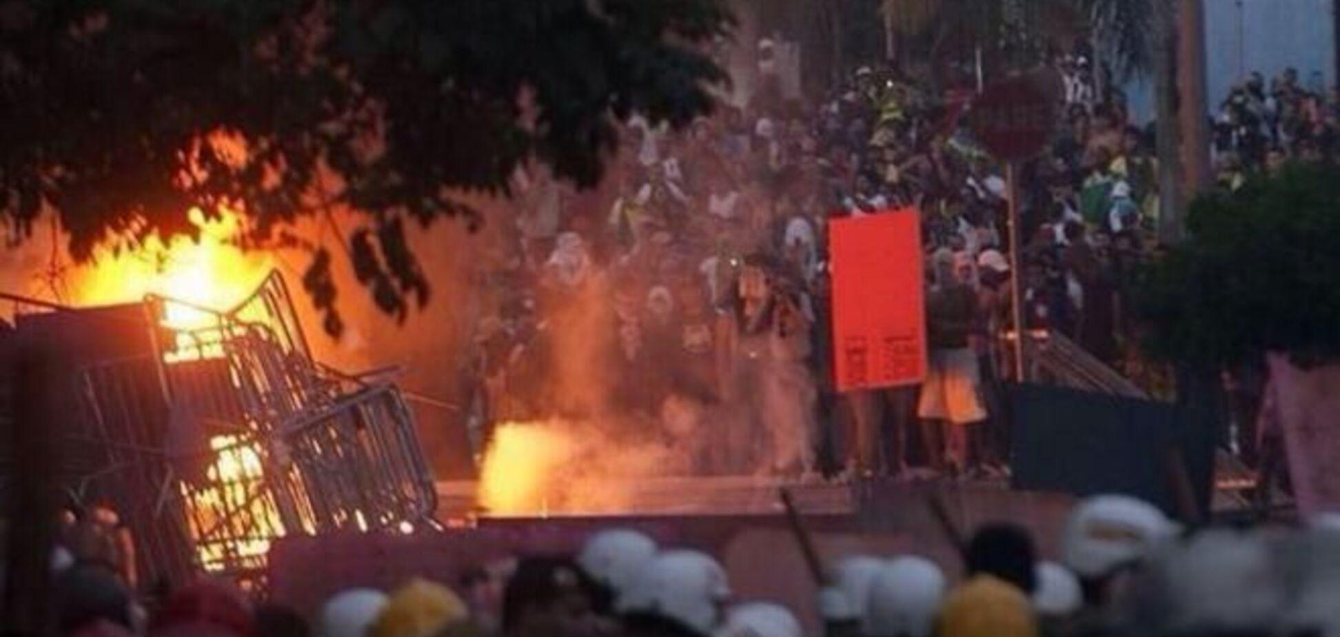 Після поразки національної збірної в Бразилії влаштували масові безлади