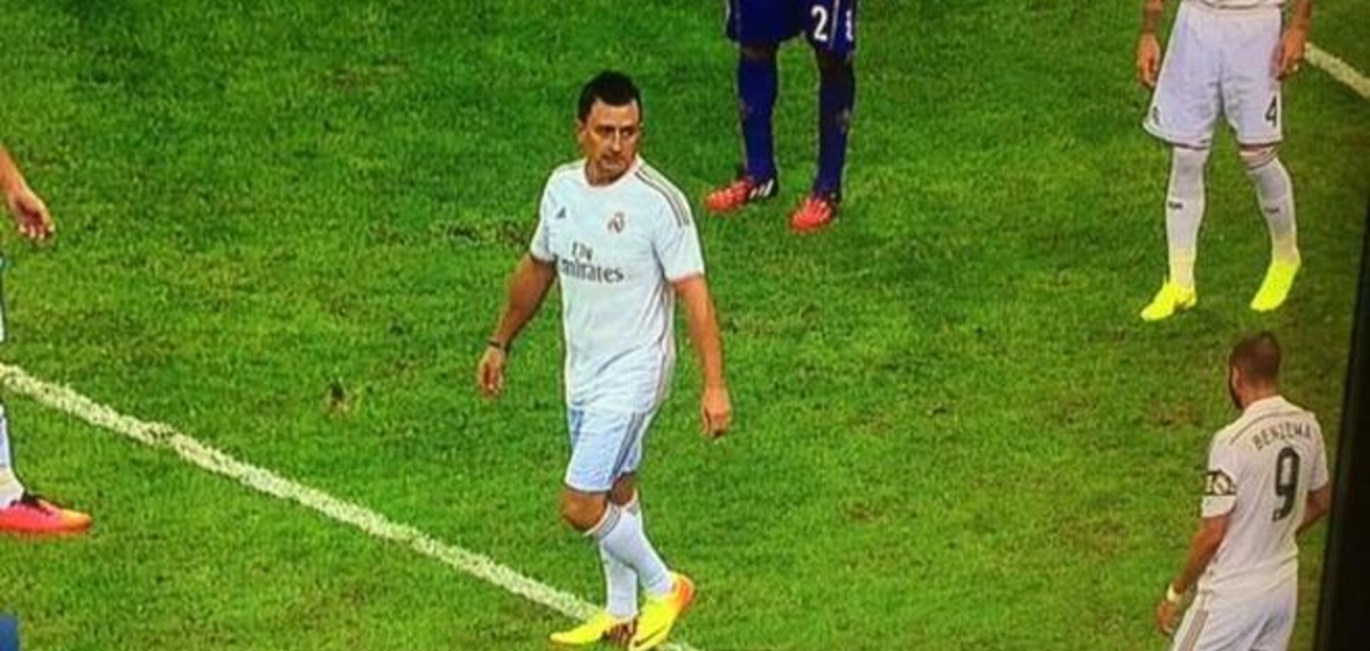 Болельщик 'Реала' выбежал на поле и притворился игроком