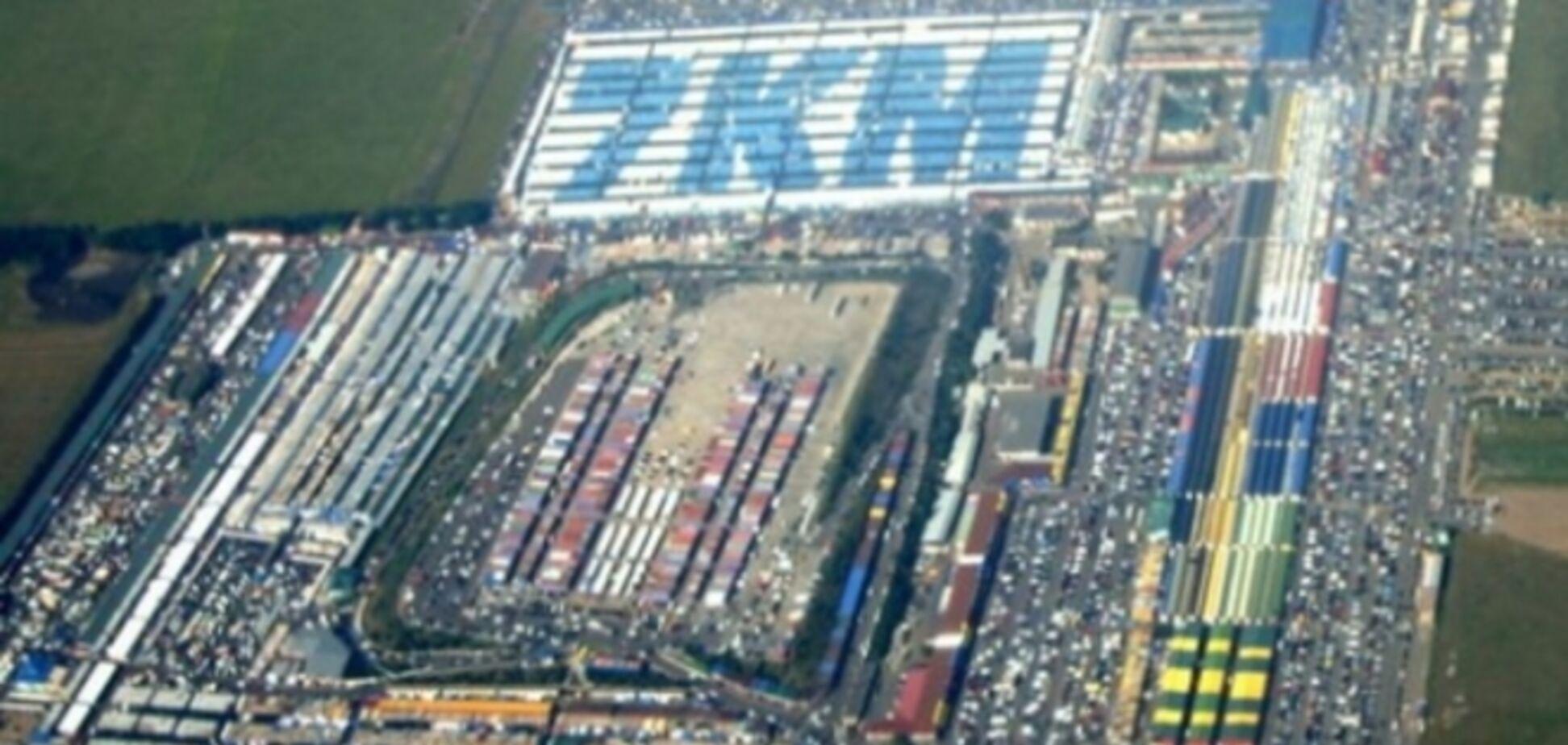 Знаменитый рынок '7-й километр' захватывают депутаты-рейдеры
