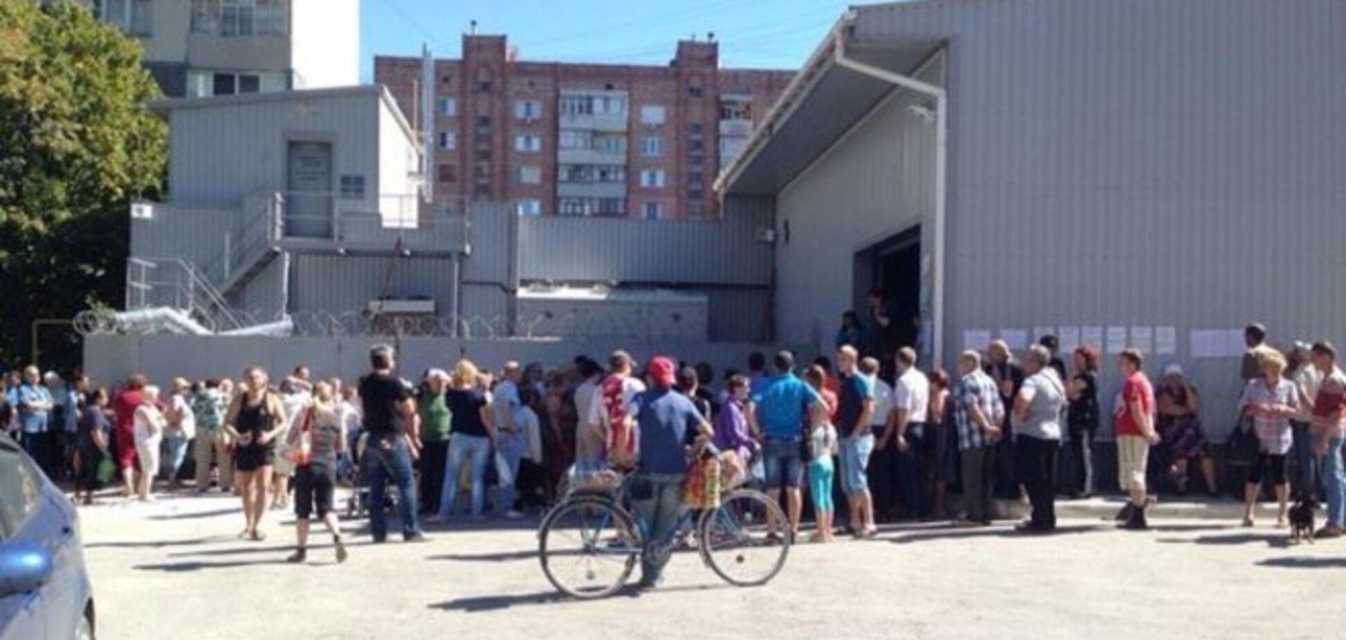 В Луганске стихла стрельба, но начались грабежи и присвоение собственности