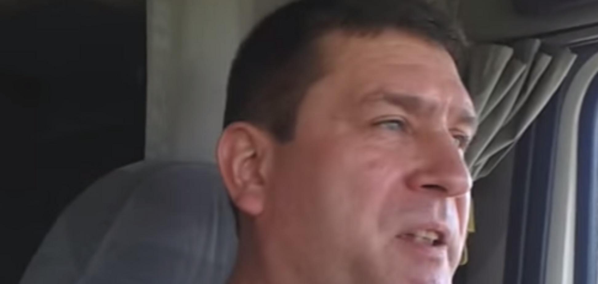 Поющий дальнобойщик о заблудившейся 'армии уродов РФ': за это иногда и ноги отрывают