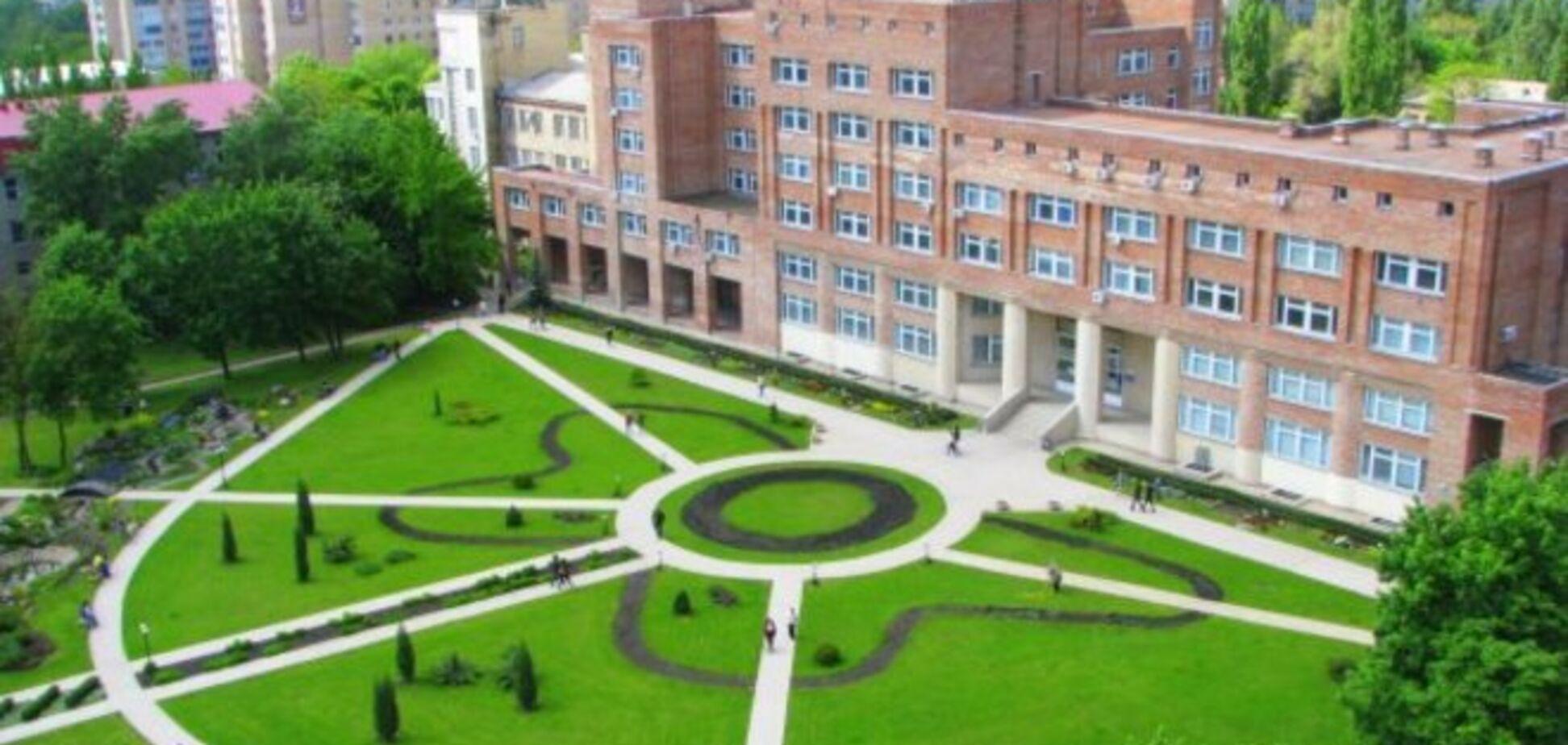 Террористы захватили здание луганского университета и похитили преподавателей