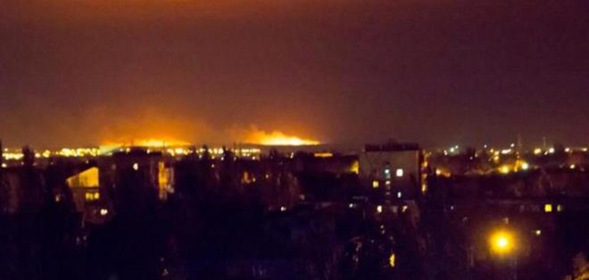 Мариуполь в огне: оккупанты обстреливают город
