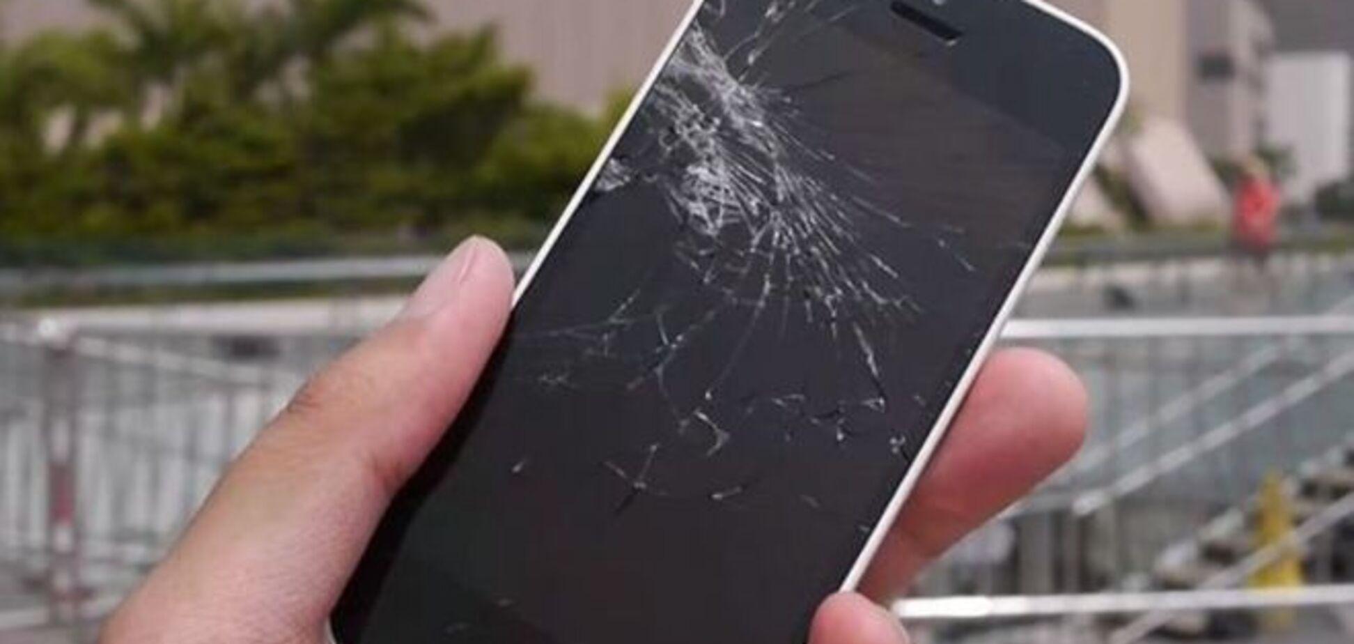 Сеть взорвало видео 'первого упавшего iPhone 6'