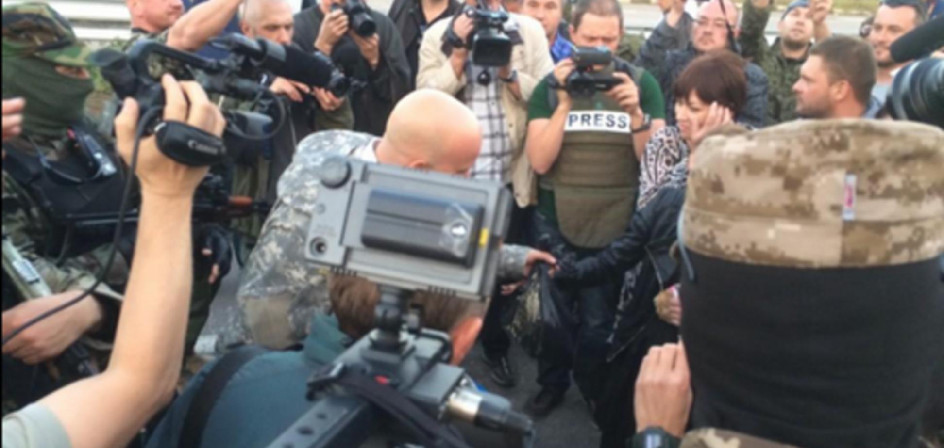 Из плена освобождены более 30 украинских военнослужащих: мужчины обнимались и плакали